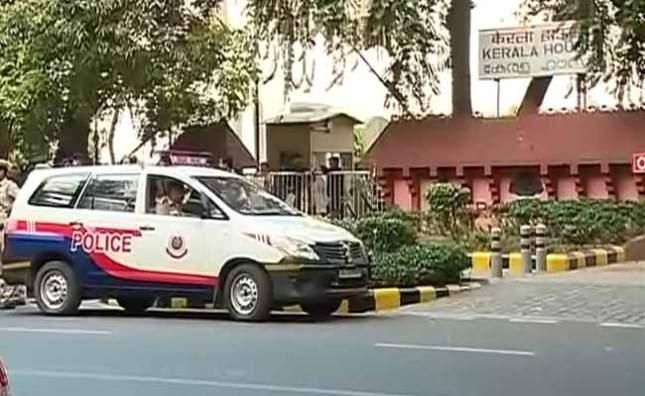 kerala-house-police_